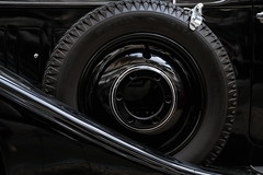 cercles (ettigirbs2012) Tags: voiture car roue wheel pneu tyre metal chrome cercles circles dreamcar