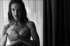 Jasmin_SAS_6426 (SAS Photographie) Tags: jasminbenali jasmin tattooredhead tattoo girl woman sexy sensual blackandwhite noiretblanc schwarzweiss nude nu nackt pornart spread pussy tits seins brust brüste explicit nikon d610 afs nikkor 2470 28 gimp darktable foss opensource linux wine alcohol sex wein vin glass glas verre availablelight fensterlicht bestportraitsaoi