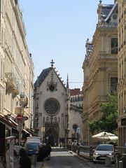 Église Saint-Bonaventure from Rue de la Bourse, Lyon, France (Paul McClure DC) Tags: lyon france july2017 auvergnerhônealpes church historic architecture presquîle