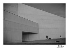 Juego de Tres (Mari Ivars) Tags: arquitectura lineas diseño canon blancoynegro whiteandblanck atardecer composicion