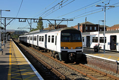 321444 Wickford (CD Sansome) Tags: abellio greater anglia train trains 321 station polar bear 321444 national express wickford
