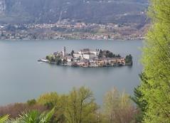 Island (Elisa1880) Tags: eiland isola lago dorta orta san giulio novara piemonte piemont italie italy italia lake meer