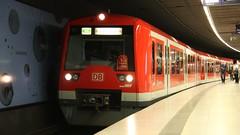 Ein 474 der S-Bahn Hamburg am Jungfernstieg, Hamburg (Emslandbahner) Tags: br 474 sbahn bahn s s1 airport poppenbüttel türen frontscheibe zug tf lokführer db deutsche canon eos 40d