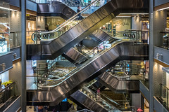 brave new world I (ro_ha_becker) Tags: architektur architecture bangkok rolltreppen abstractarchitecture abstract shoppingmall street fujix70 happyplanet asiafavorites
