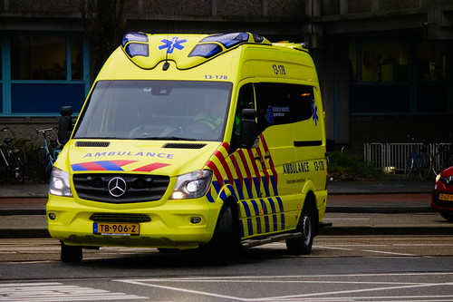95e3168219 Dutch Ambulance underwat to an hostpital in Amsterdam
