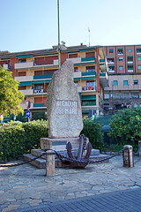 Sailors monument (Yuri Rapoport) Tags: monument 2016 recco liguria italy