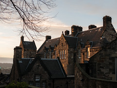 Castle of Edinburgh (Lanceflot) Tags: castle edinburgh scotland sunlight sunset sky building architecture old medieval historic history streetnight