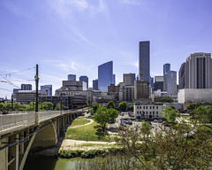 609 Main at Texas Skyline-Main Street Bridge No 6 (Mabry Campbell) Tags: 609mainattexas harriscounty hines houston pickardchilton texas usa architecture building downtown image photo photograph f71 mabrycampbell march 2019 march272019 20190327609campbellh6a6510pano 24mm ¹⁄₂₅₀sec 100 tse24mmf35lii