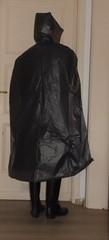 plast-transl-gris-02 (rainand69) Tags: cape umhang cloak pèlerine pelerin peleryna regencape raincape capeimperméable