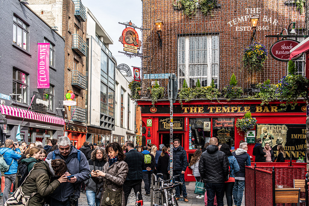 A QUICK VISIT TO TEMPLE [MAJOR TOURIST AREA IN DUBLIN]-151573