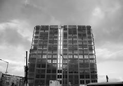 Arquitectura-City-Bcn en BW (angelalonso57) Tags: canon eos 7d mark ii tamron 16300mm f3563 di vc pzd b016 ƒ40 160 mm 18000 1000 arquitectura ciudad city bcn barcelona perspectiva structure estructura minimalismo