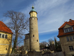 Neideckturm und -ruine (germancute) Tags: outdoor arnstadt thuringia thüringen tree town neideck building school
