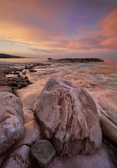spigoli dolci (Gio_guarda_le_stelle) Tags: seascape sunset clouds pink red sky water sea i 4 italy stones travel viaggio