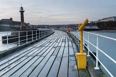 Whitby - West Pier (Donard850) Tags: england uk westpier whitby yorkshire dawn lighthouse perspective telescope