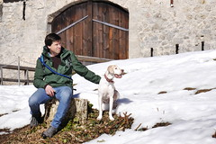 P1070436 (mireiatarres) Tags: outside castillo snow nature sun winter nieve perro dog pointer natura schnee