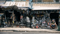 Tools shop (S. Ken) Tags: rx100 rx100m5 rx100m5a zeiss sony ソニー デジカメ 索尼 vietnam hochiminhcity hcmc saigon ベトナム サイゴン ホーチミン 胡志明市 越南 tools shop store street happyplanet asiafavorites