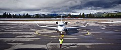 Truckee Airport in California 2019. (planepics43) Tags: truckeeairport airport aviation aircraft airplane airshow flying flight pilot planes planespotting plane bombardier challenger 350 n760qs 20755 landing tower takeoff taxi claytoneddy 17crossfeed livermoreairport transportation