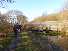 Ramblers at Monkland Canal (luckypenguin) Tags: scotland northlanarkshire coatbridge drumpelliercountrypark monklandcanal canal ramblers walking