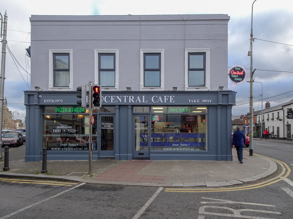 A VISIT TO BLACKROCK VILLAGE [THE CENTRAL TAKE AWAY RESTAURANT]-148048