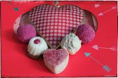 Sweet Love (Sockenhummel) Tags: fuji x30 rot herz love liebe valentine valentinstag pralinen schokolade sweets süsigkeit heart bemyvalentine