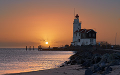 Marken (zsnajorrah) Tags: landscape landscapephotography water lake greatlake beach rocks lighthouse earlymorning goldenhour sunrise sirui canon 7dmarkii ef2470mmf4l netherlands nederland marken paardvanmarken