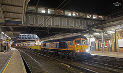 Crew Change (JohnS87) Tags: ipswich suffolk class66 train engineering gbrf crew change