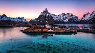 Norway - Lofoten - Islands - Mountains-sunset-Sea