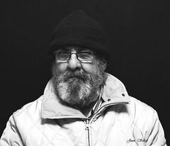 2 gim yago 35 x 45 (juansolergomez) Tags: retrato monocromo blancoynegro barba gorro hombre monocromatico gente
