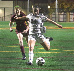 PM20181127-010.jpg (Menlo Photo Bank) Tags: 2018 photobypamtsomckenney action field soccer students girls people fall smallgroup upperschool event game sports menloschool atherton ca usa us
