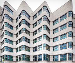 Shell-Haus (Ralf Westhues) Tags: berlin shell shellhaus architektur architecture outdoor beige blau cyan