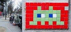 Space invader [Paris 14e] (biphop) Tags: europe france paris streetart space invader spaceinvader mur wall installation mosaic mosaique 75014 reactivation reactivated restored restauré réactivé pa208