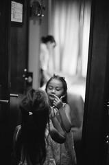 lipstick (Roma, July '18) (doublecappuccino) Tags: lipstick roma mirror planetolive 50mmf12 nikkor50mmf12ais trix kodaktrix400 nikonf3
