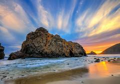 La Corona di Nubi (Gio_guarda_le_stelle) Tags: california pfeifferbeach clouds sunset seascape tramonto seaside sand violet beach usa spiaggia playa sunbeam sky