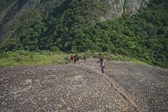 Subida íngrime (mcvmjr1971) Tags: red costão de itacoatiara praia niteroi brasil 2019 escalada trilha mmoraes nikon d800e lens sigma 2435 f20 art