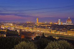 Una notte a Firenze / A night in Florence (Florence, Tuscany, Italy) (AndreaPucci) Tags: firenze florence toscana tuscany night italia italy piazzalemichelangelo palazzo vecchio