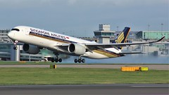 9V-SME (AnDyMHoLdEn) Tags: singaporeairlines a350 staralliance egcc airport manchester manchesterairport 23r