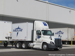 Medline Medical (Ruan Transportation) Freightliner Cascadia, Truck# R93526 (Michael Cereghino (Avsfan118)) Tags: ruan transportation corp medline freightliner cascadia daycab truck trucking semi