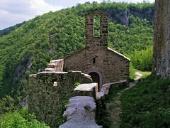 Pietropelosa (Vid Pogacnik) Tags: croatia hrvatska istra istria pietropelosa castle ruins church