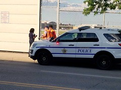Chicago Midway Airport - Police and Photographers (twa1049g) Tags: chicago midway airport police photographers 2017