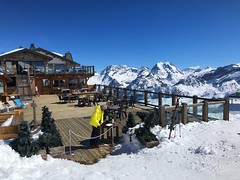 Restaurant With A View (Marc Sayce) Tags: saulire restaurant le panoramic 2732m spring march 2019 mountains snow snowboarding skiing ski resort three valleys trois vallées savoy savoie courchevel