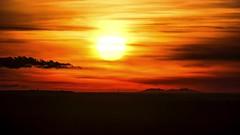 Animation Coucher Soleil sur le Canigou depuis les hauteurs de Meyrargues(13) 26 01 2019. (bruno Carrias) Tags: canigou meyrargues provence provencealpescôtedazur bouchesdurhône sunset soleil pyrénéesorientales