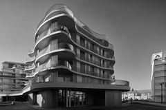 Gut geschichtet (richard.kralicek.wien) Tags: blackandwhite vienna austria architecture