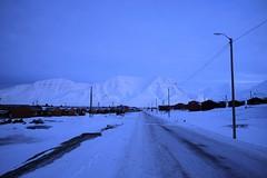 Arctic morning light (narnejo) Tags: blåtime longyearbyen svalbard februar february polarnight vei 200 vei200