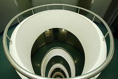 Versmannhaus (Elbmaedchen) Tags: versmannhaus kontorhaus hamburg treppenhaus treppenauge grün architektur stairwell staircase oval