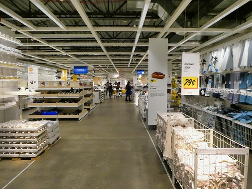 2019-03-16 - Street Photography – Big-box Stores – IKEA