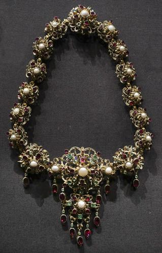 Necklace, part of Parure, Austria, Vienna, about 1855, made by Schlichtegroll