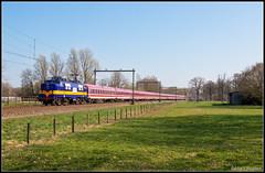 Railexperts 1251+Sonderzug, Hengelo, 30-3-2019 (Allard Bezoen) Tags: trein train zug lok elok loc eloc locomotief lokomotive 1200 ex ns rxp railexperts bte rijtuigen sonderzug hengelo oost amsterdam heemaf werkspoor 1251
