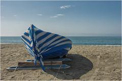 mare d'inverno ... (miriam ulivi) Tags: miriamulivi nikond7200 italia liguria sestrilevante barca boat spiaggia beach mare sea cielo sky blue inverno winter