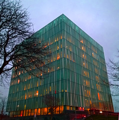Aberdeen University Library 37 (Golux.) Tags: aberdeen scotland university library sirduncanrice tree trees blue sky reflection light glass