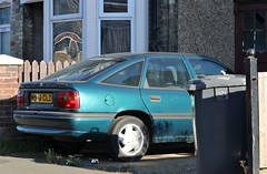 M589 CLD (Nivek.Old.Gold) Tags: 1995 vauxhall cavalier 17td gls abs 5door